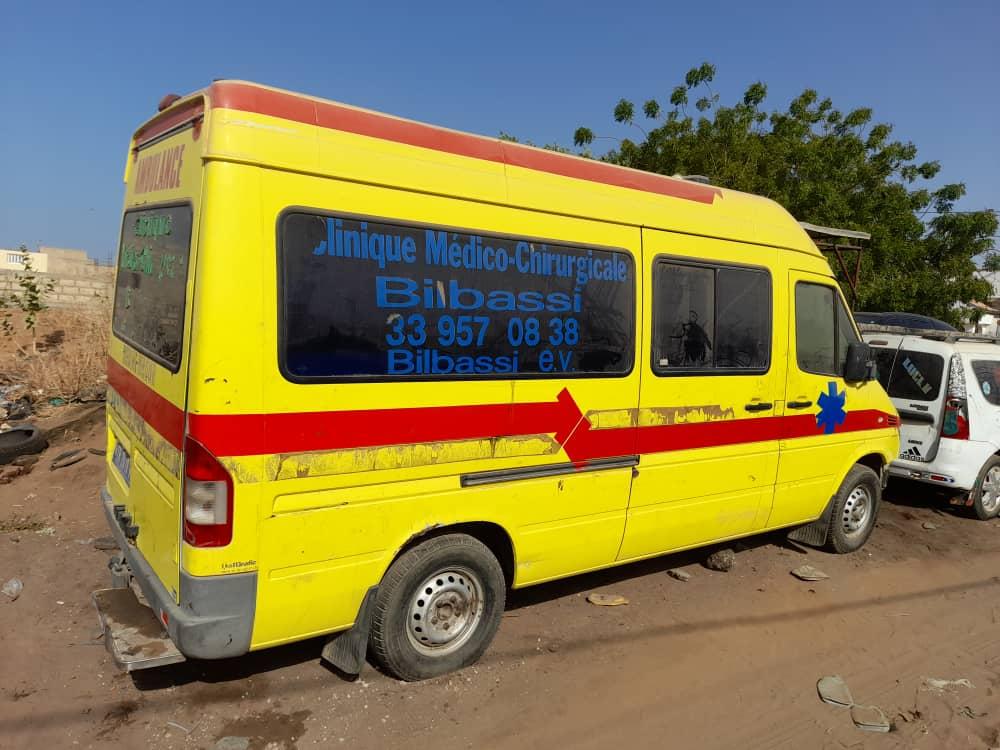 senegal_krankenhaus_bilbassi_krankenwagen (1)