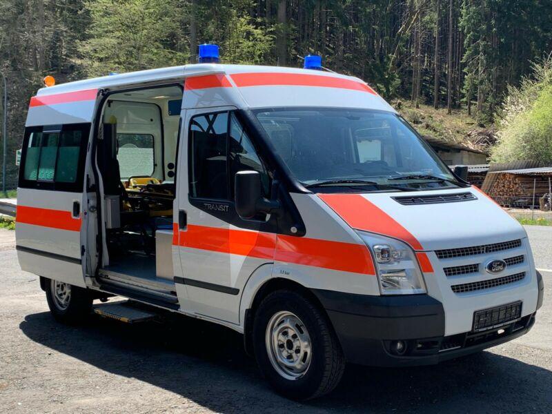 senegal_krankenhaus_bilbassi_krankenwagen (2)